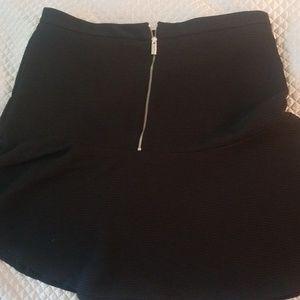 Calvin Klein knit skirt w/ zipper (106)